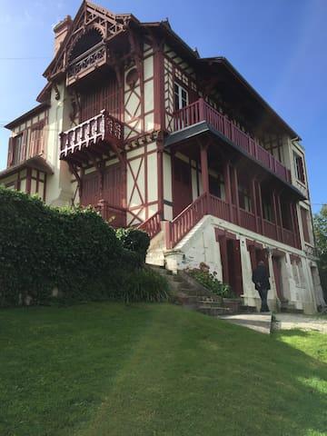 "Appartement ""La PAUSA "" vue mer. - Villers-sur-Mer - Huoneisto"