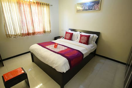 Villas holiday home services - Surat - Vila