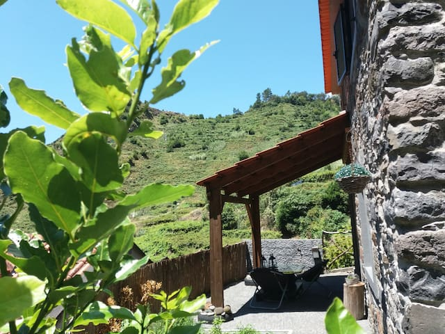 Ruínas - Madeira Island cozy holidays hideaway
