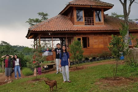 Chiara's Dragon Fruit Farm and Wood Villa