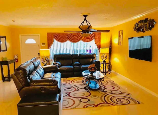 Gorgeous & Cozy Vacation Home, Boca Raton