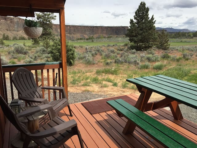 Crooked River Ranch, Small Cabin...
