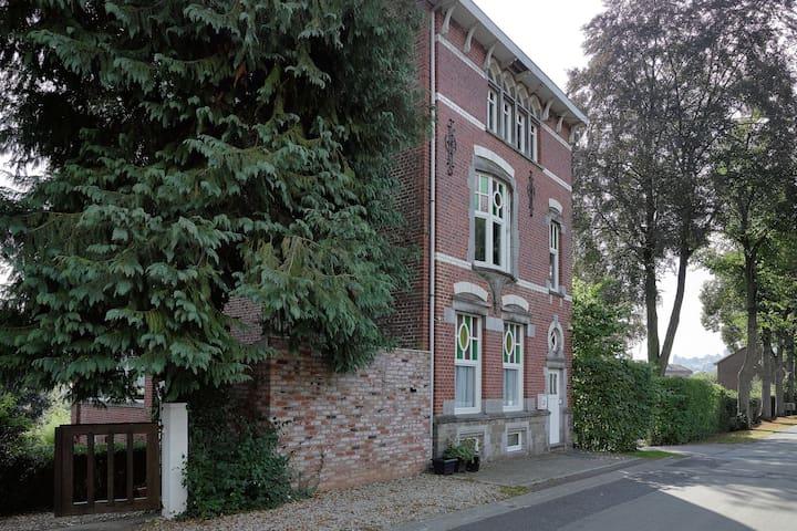 Modernes Ferienhaus mit Infrarotsauna in Stavelot