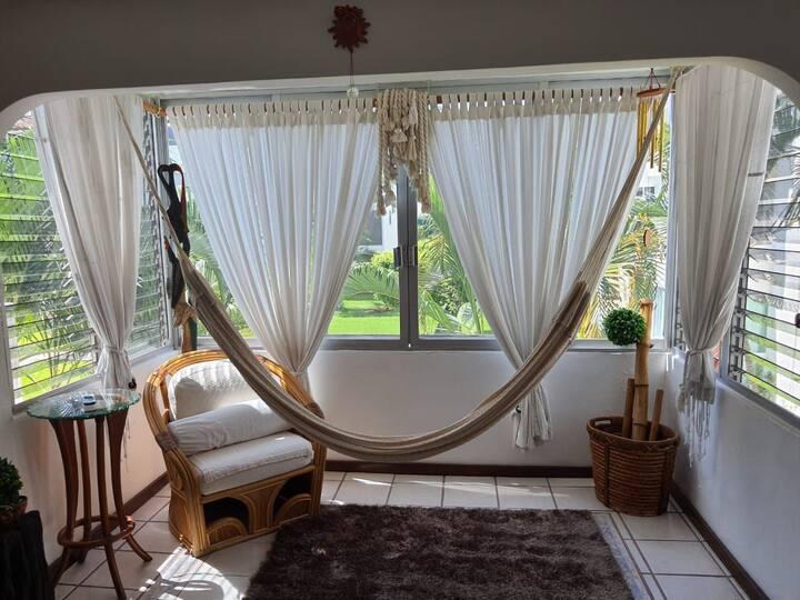Condominio elegante, cómodo y super ubicado.