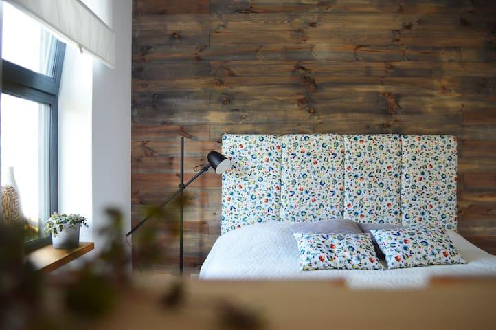 Sypialnia na parterze.