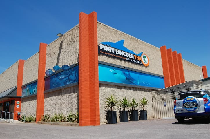 Port Lincoln YHA Exterior