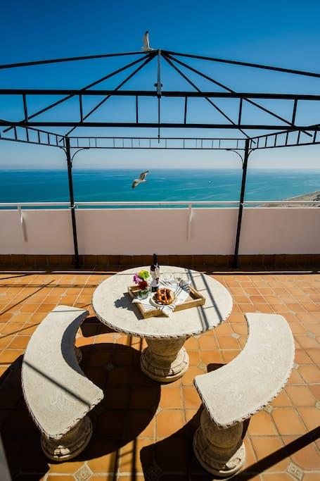 Magníficas vistas 360º al mar y las playas de Torremolinos.