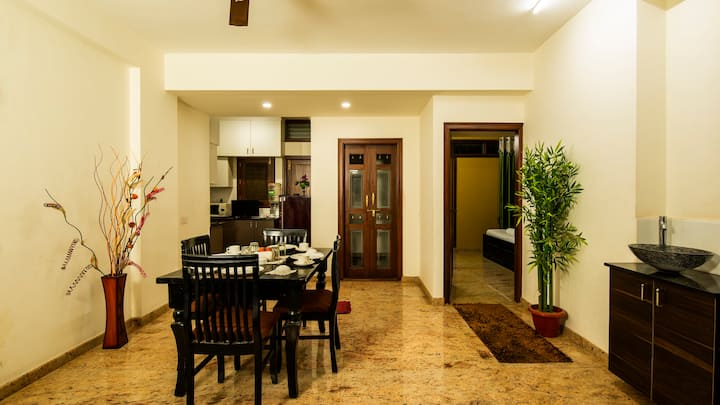 2 Bedroom Luxury Apt - On Airport Road - 20% Off