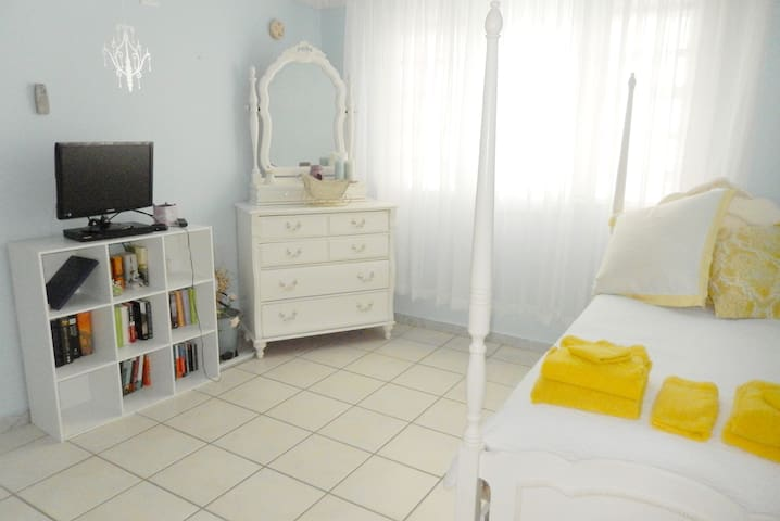 this bedroom has two twin beds (one is a trundle). 6the bedroom