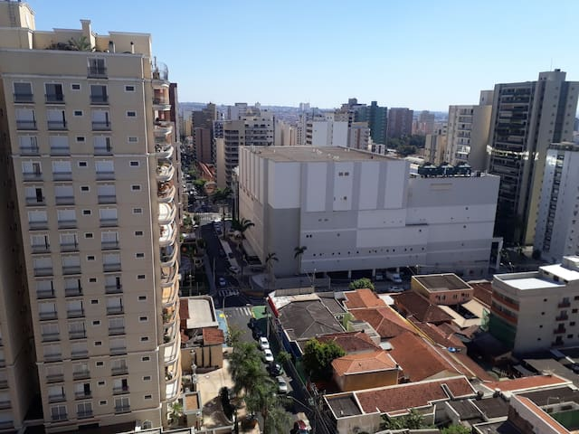 50 metros do Shopping Santa Ursula, Hospital São Francisco e centro de convenções.