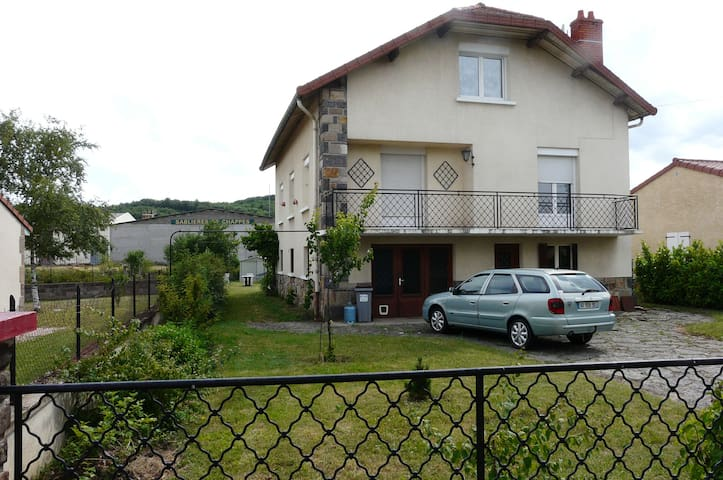 2 chambres privées dans grande maison