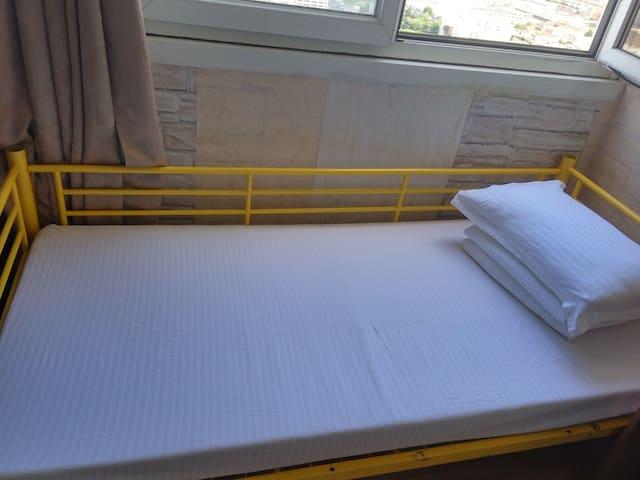 Bed in 5-Bed Female Dormitory Room( Paris 33F apt)
