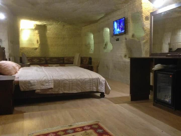 Real CAVE ROOM in the  heart of Goreme  Cappadocia