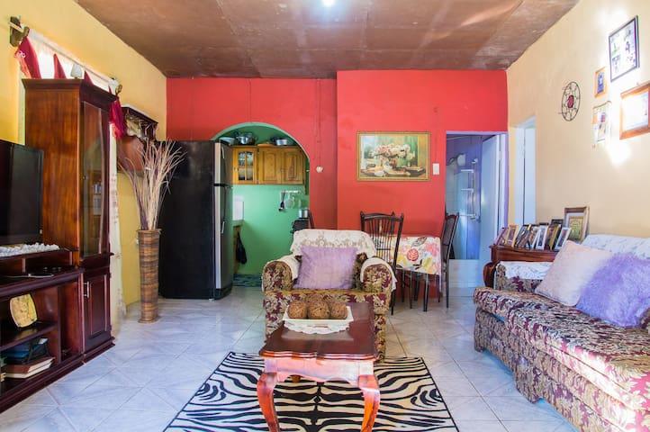 chili lane guest house - Port Antonio - Dům