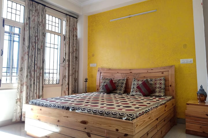 Mountain Hill Station Oasis in the Heart of Solan