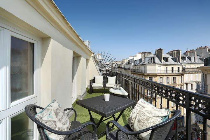 Rêverie à deux sur les toits de Paris