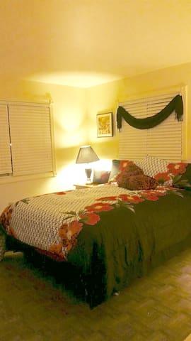 2 bedroom weekly Rental near Marina - Hampton - Apartamento