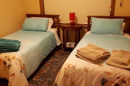 Hopetoun St Guest House Bedroom 4