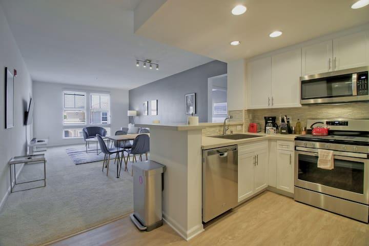 Brilliant + Clean Platinum 2BR Urban Flat @ DT RWC