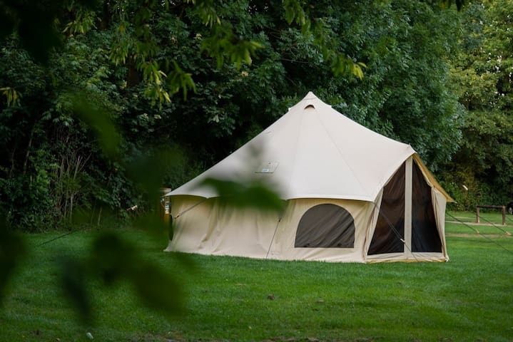 Luxury 4 Person Glamping Tent
