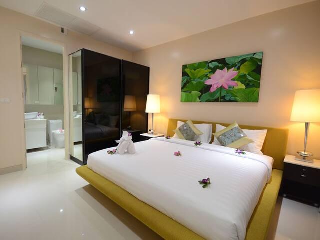 Phuket Thai Sea View  Apartment - TH - Bed & Breakfast