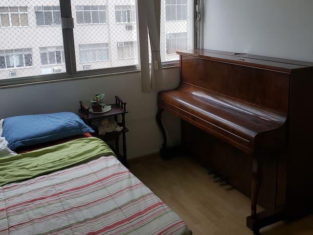 Lovely room in copacabana