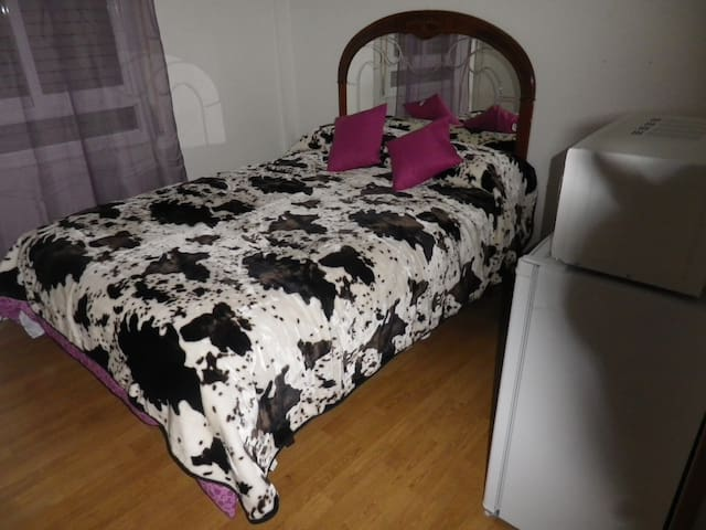 FULL FURNISHED ROOM IN BEETWIN MADRID & GUADALAJAR - Azuqueca de Henares