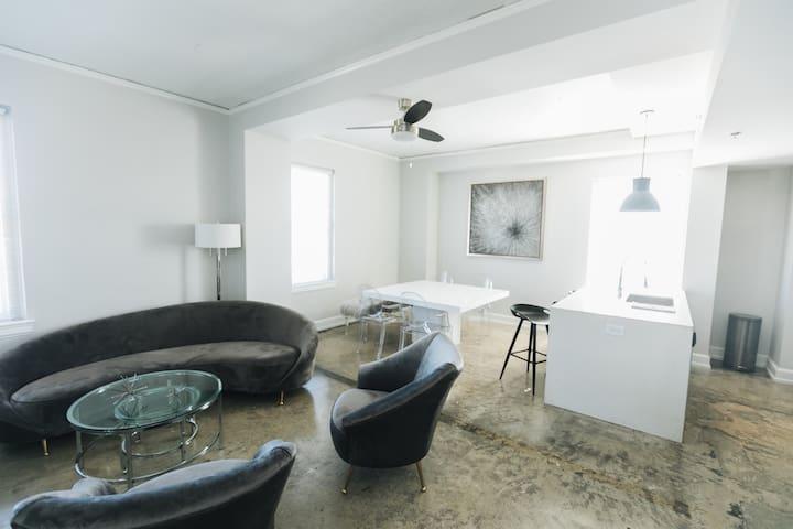*NEW* Designer Suite ThomasJefferson Tower, Bham