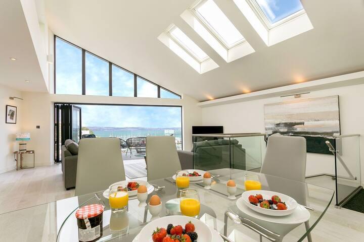 High Seas - spectacular marine house with panoramic sea views