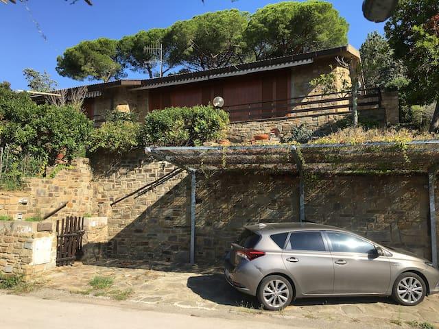 ampia villa con terrazza e giardino a Puntala