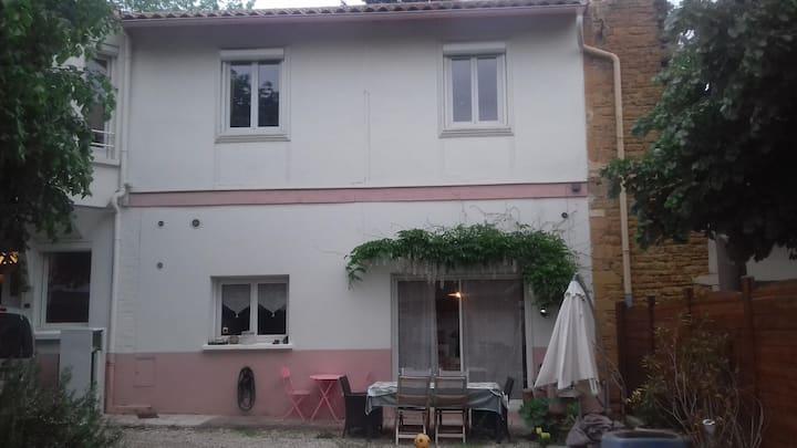 chambre   près du centre  Villefranche sur Saône
