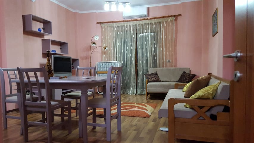 Home in Korca, Albania with 2 rooms - Korçë - Apartment