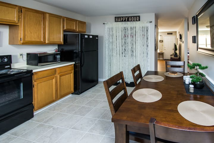 Chateau Georgetown - 2 Bedroom Apartment