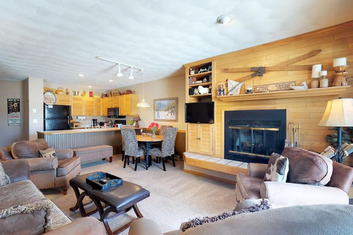 Charming, waterfront condo with furnished deck, shared hot tub, & fitness room