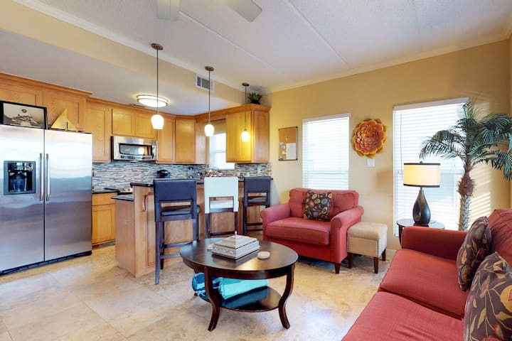 Dog-friendly condo near beach w/ shared tennis near restaurants, parks, & more!