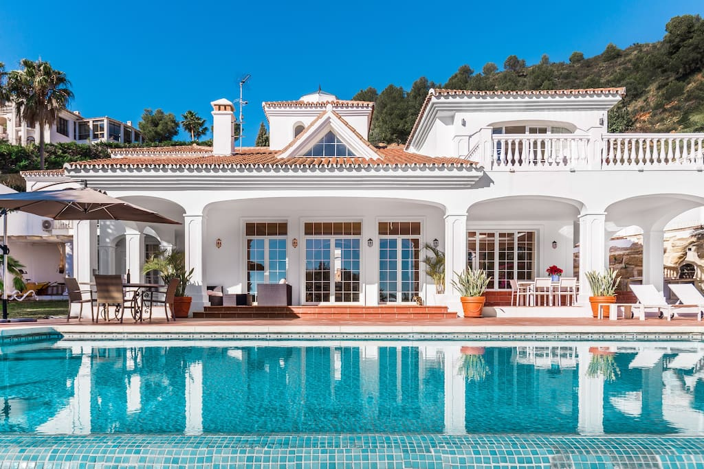 luxury villa for rent in Marbella only 5 min. from Puerto Banus