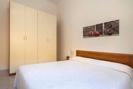 "Double Room ""A"" in Villa ""Ventura Tailor"" - Marina di Ragusa"