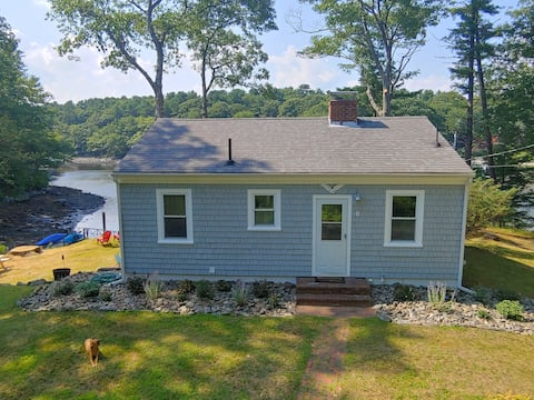 Charming Waterfront Cottage on Chauncey Creek