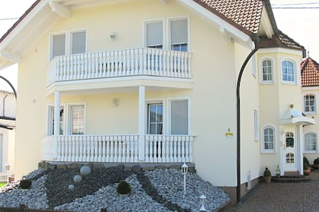 Spacious Apartment in Kölbingen with Garden
