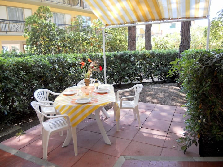 """Lovely Apartment """"Lilly 21"""" with Wi-Fi and Terrace; Parking Available"""