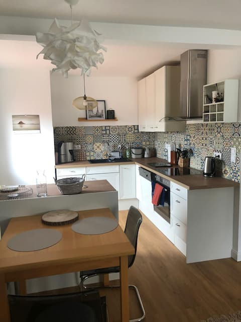 5 rooms flat close to main train station - 24h