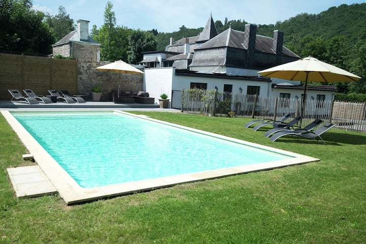 Stylish Mansion in Hastière with Swimming Pool