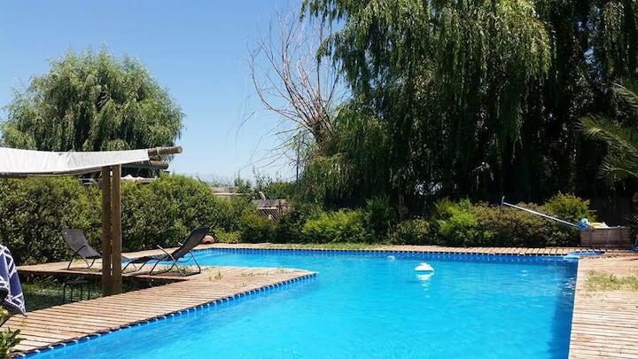 Parcela con piscina. Actvs. familiares y eventos.