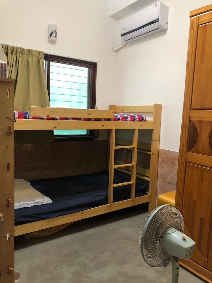 台南安平茉莉巷 單獨房間上下舖 廚房 腳踏車 安平古堡 延平老街 有停車位 可接送