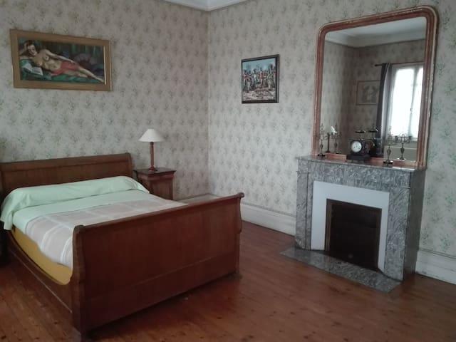 Chambre privée dans un hôtel particulier - Jarnac - Boutique hotel
