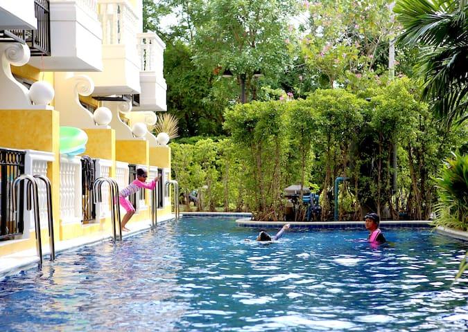 就在您身边的景观泳池