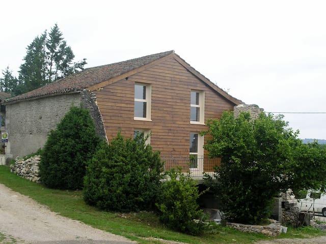 Maison de vacances proche de St-Cirq-Lapopie - Saint-Géry - ที่พักธรรมชาติ