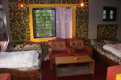 Buddha Shanti lodge;backpacker paradise