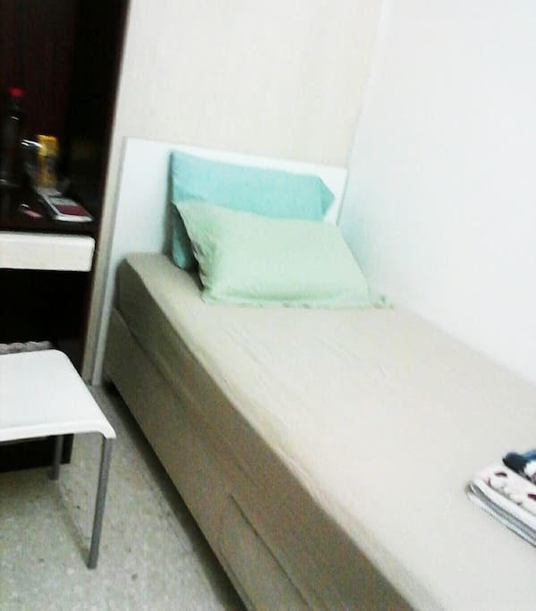 Comfortable solo room.