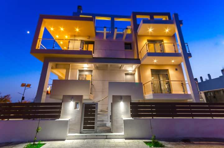 Luxury Beachfront Villa at Pefkakia Volos